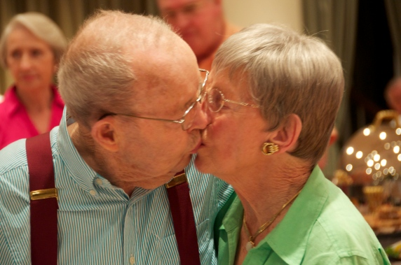 Homer, kissing his bride of 70 years, June 2013